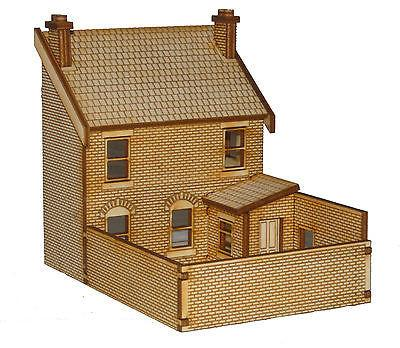 PB005 Left Hand Low Relief Rear Victorian Terraced Pub OO Gauge Laser Cut Kit